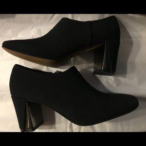 Donald J. Pliner Shoes - Donald J Pliner Designer shoes 7.5